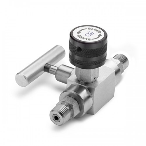 Block & bleed valve- (M) inlet x (M) outlet, S.S